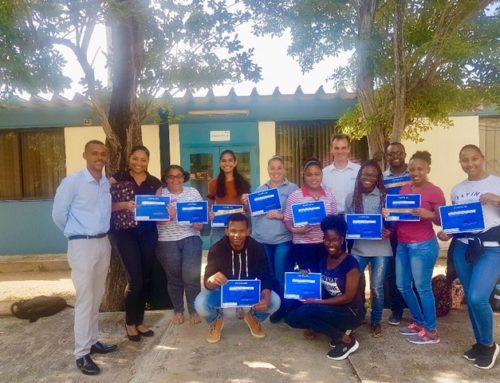 """Vrijdag 15 maart heeft de laatste les van het leerprogramma """"Twinfield@School"""" aan de University of Curaçao plaatsgevonden  …"""
